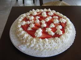 Torta con crema chantilly e fragole Senza Glutine