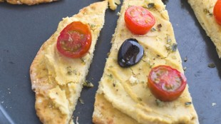 Croste di pizza al cavolfiore senza glutine