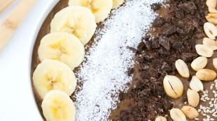 Frullato al cioccolato e burro di arachidi senza glutine