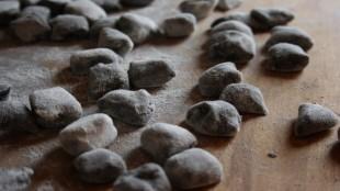 Gnocchi al carbone vegetale senza glutine
